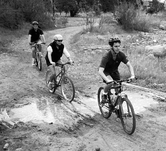 Daniel Kish, on his bike. From http://www.blesser.net/images/Blind%20Biker%20web.jpg