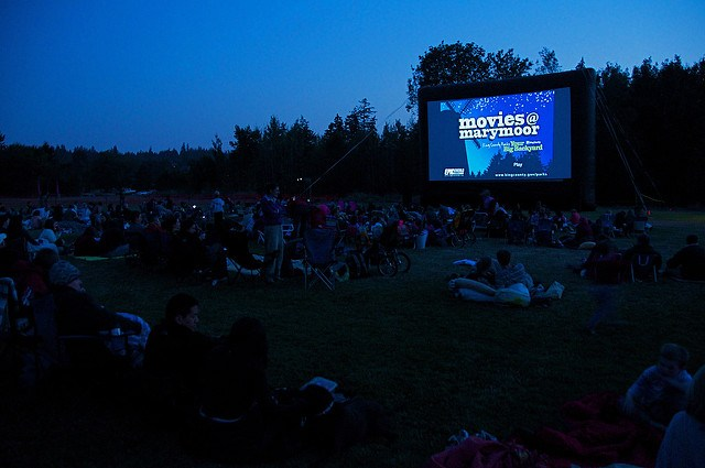 photo from https://kingcountyparks.org/tag/movies-at-marymoor/